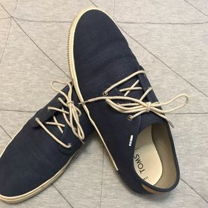 Toms men canvas shoe